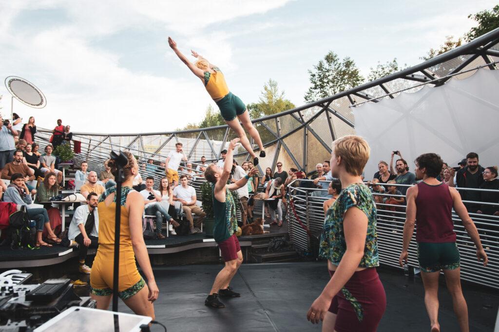 Akrobatik Show