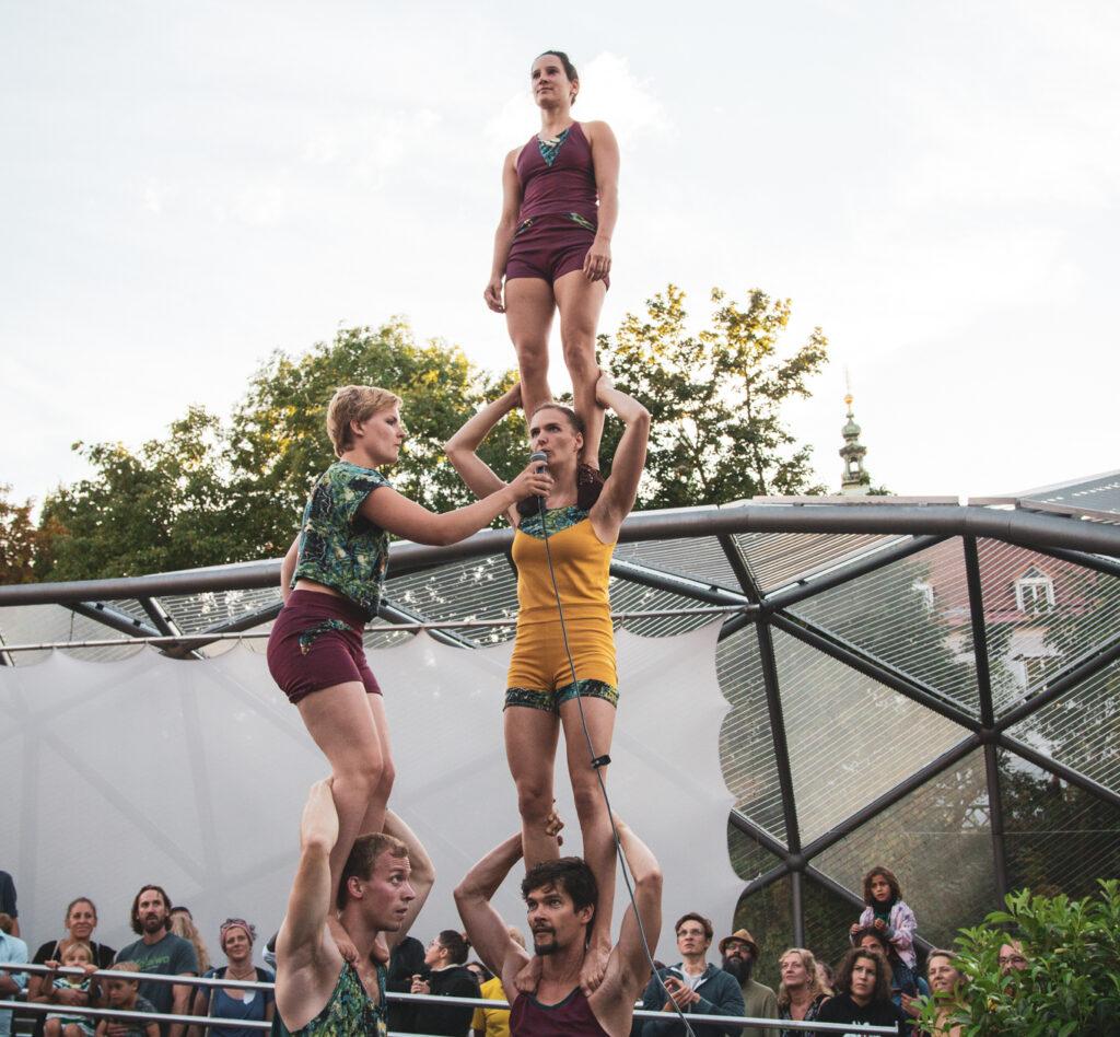 musikalische Akrobatik Show